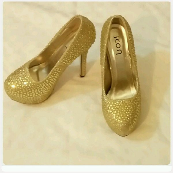 Used High heels shoes for ladies size-38 in Dubai, UAE