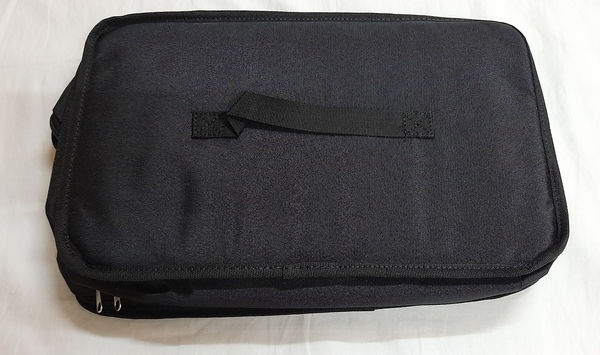 Used Egg sitter and vacation bag in Dubai, UAE