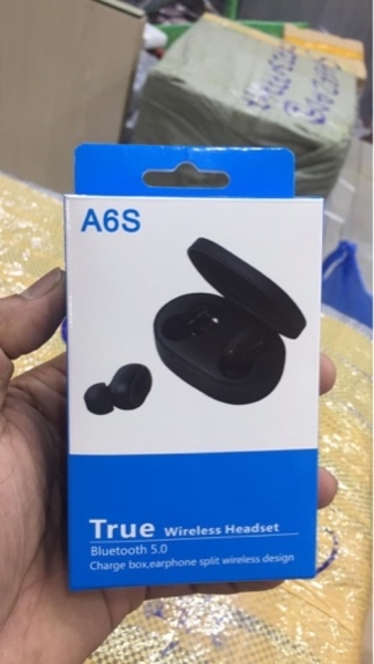 Used Wireless earbuds with charging case A6S in Dubai, UAE