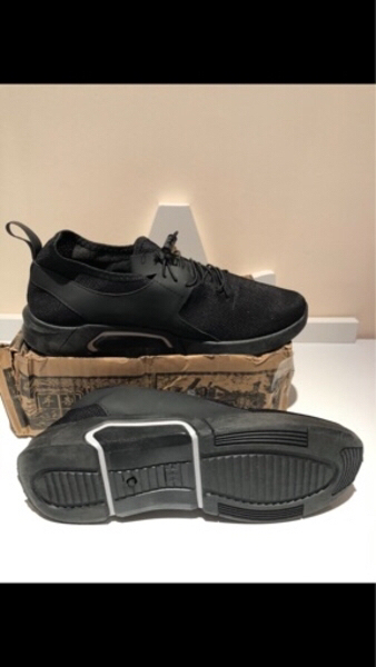 Used Sneakers / sport shoes size 44 in Dubai, UAE