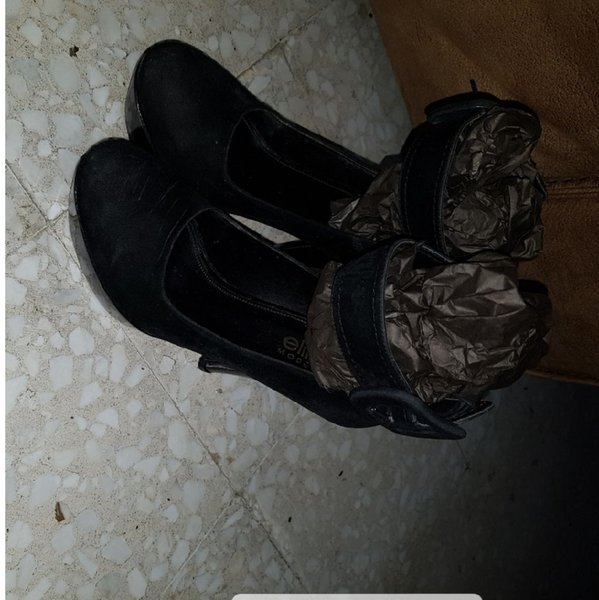 Used High shose #black #light leagther size37 in Dubai, UAE