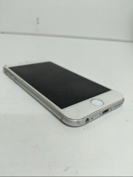 Used iPhone 6 *no display but have power* in Dubai, UAE