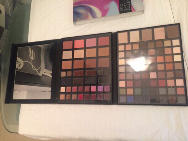 Used Macy's Pro Eyeshadow Palette in Dubai, UAE