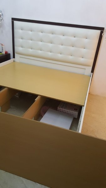 Used Bed  king size in Dubai, UAE