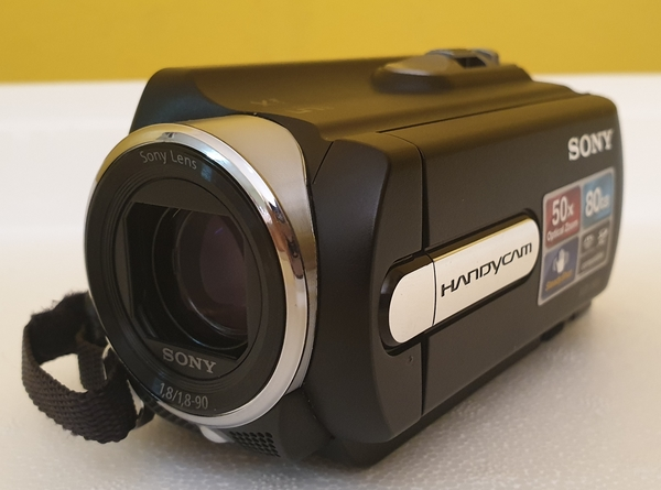 Used SONY HANDYCAM DCR-SR20E in Dubai, UAE