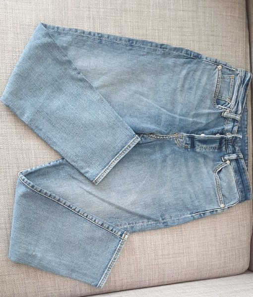 Used H&M mom jeans, size 27in in Dubai, UAE