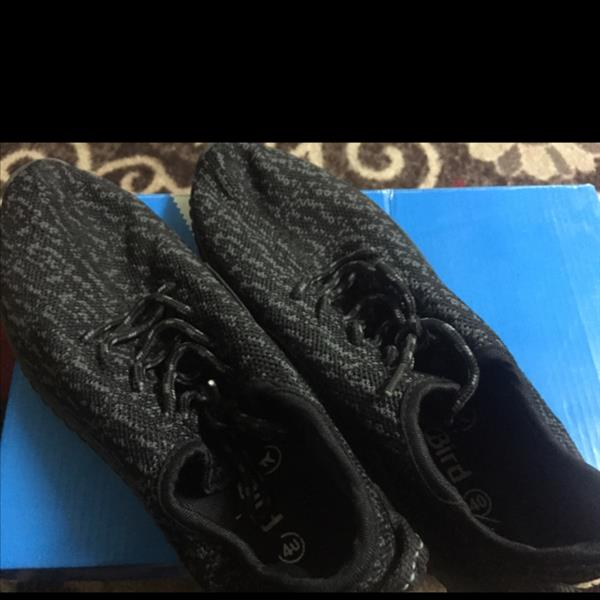 Used Yeezy Brand New Only Woren Once Size 40 in Dubai, UAE