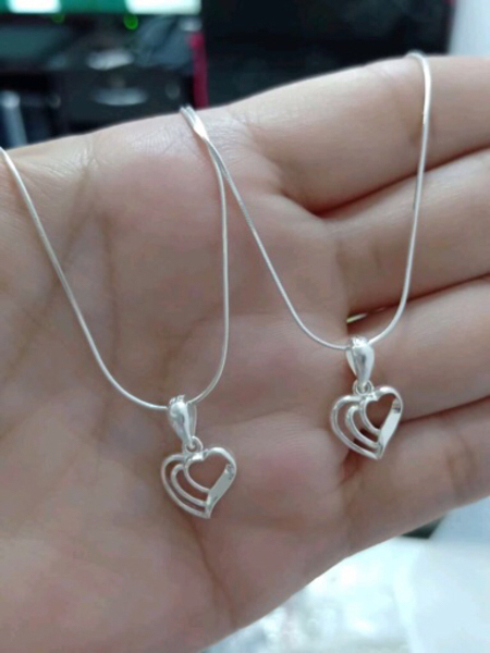 Used Italy Silver Necklace in Dubai, UAE