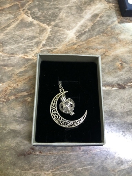 Used Moonlight necklace brand new in Dubai, UAE