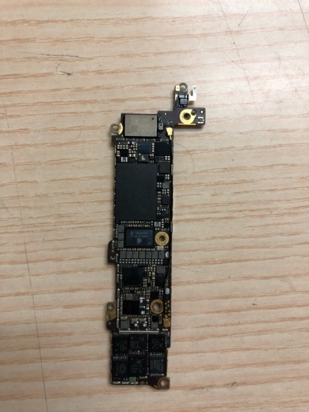 Used iPhone 5s 16gb motherboard in Dubai, UAE