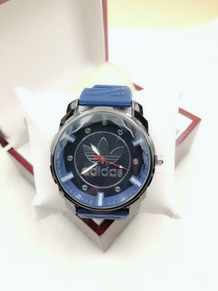 Used Blue Adidas wrist watch ⌚️ for men in Dubai, UAE