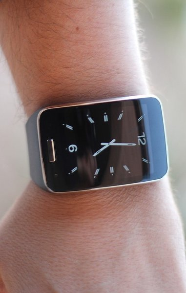 Used Samsung Gear S Sim Version in Dubai, UAE