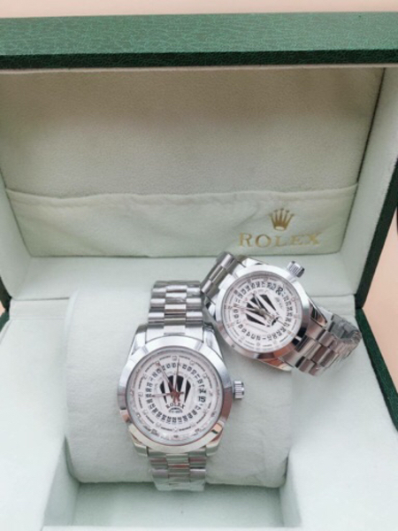 Used Silver Rolex wrist couple watches 💯new  in Dubai, UAE
