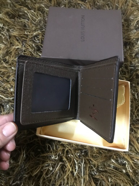 Used Brown Louis Vuitton wallet.new,copy  in Dubai, UAE