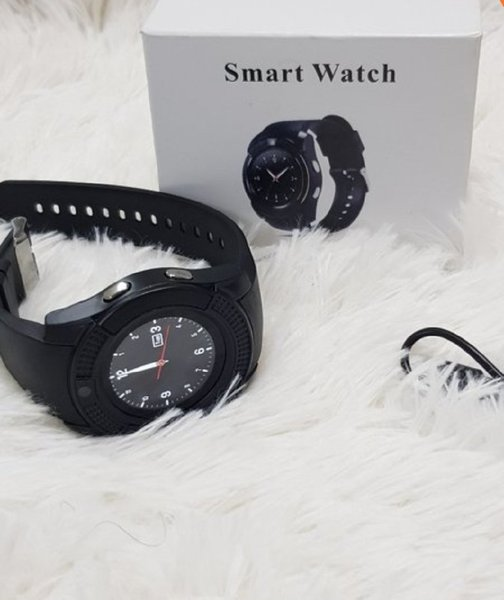 Used Smart watch with sim card and camera in Dubai, UAE