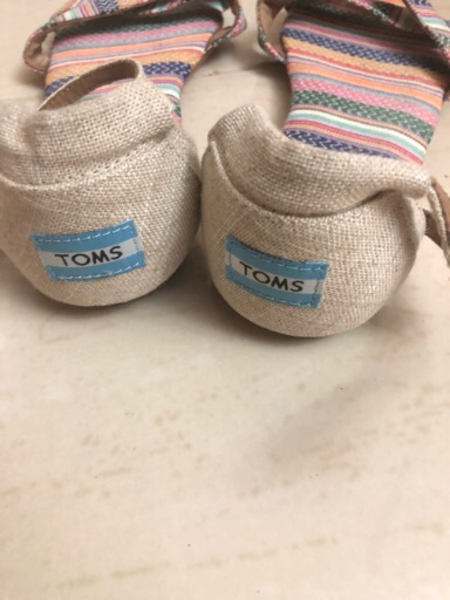 Used Toms sandals in Dubai, UAE