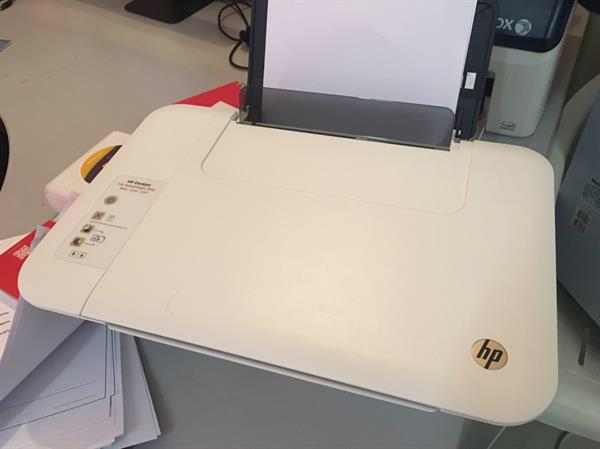 Used HP DeskJet Ink Advantage 1515 - No Cartridge (finished) Only 2 Months Used in Dubai, UAE