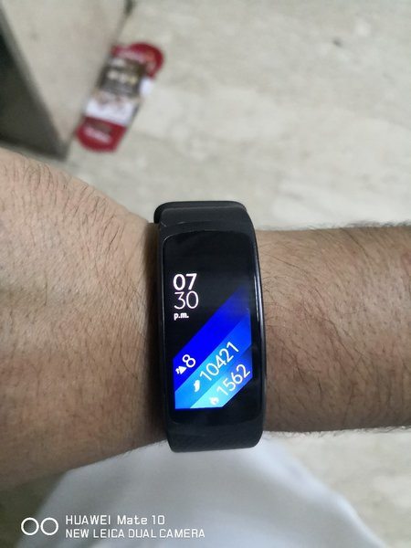 Used Samsung Gear Fit 2. With Box. Used in Dubai, UAE