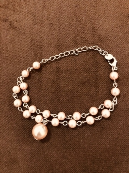 Used Pearl bracelet and necklace in Dubai, UAE