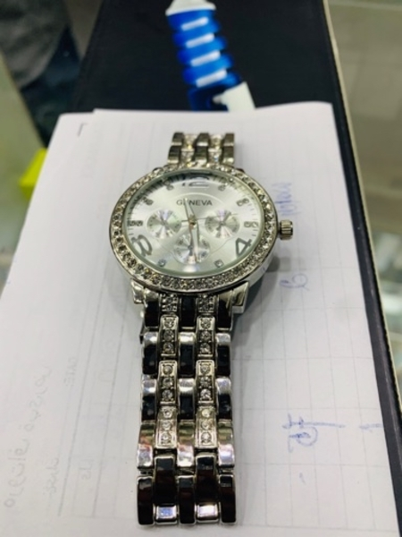 Used Geneva silver plated watch for unisex in Dubai, UAE