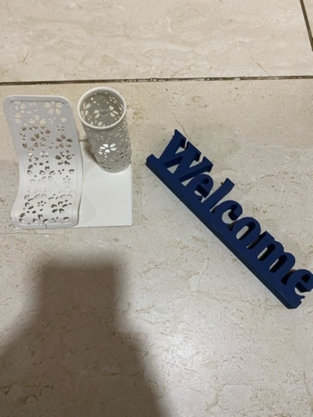 Used Pencil Holder + Welcome sign in Dubai, UAE