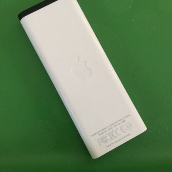 Used Apple remote A1156 for MacBook  in Dubai, UAE