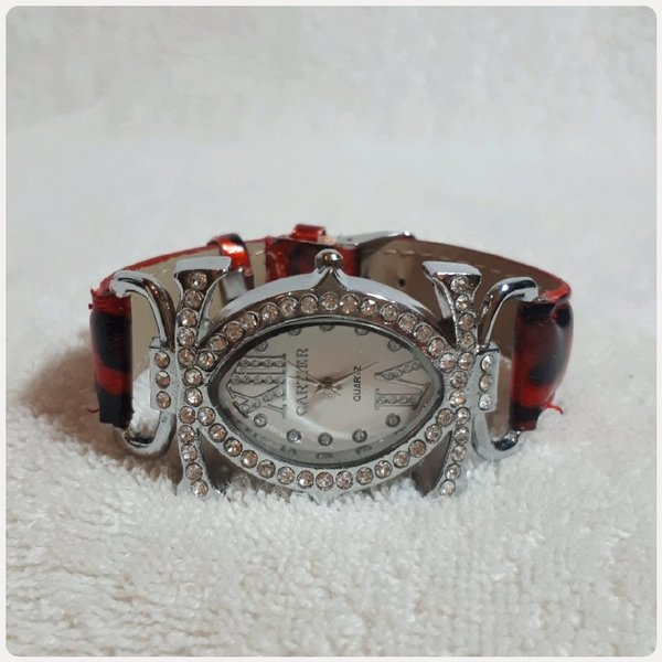 Used Red CARTIER watch for lady in Dubai, UAE