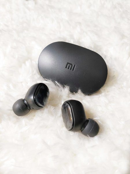 Used NEW( Mi EARBUDS WIRELESS ☺️ OFFER in Dubai, UAE