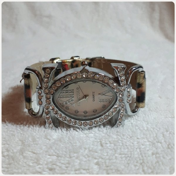 Used Fabulous CARTIER watch FASHIONS in Dubai, UAE