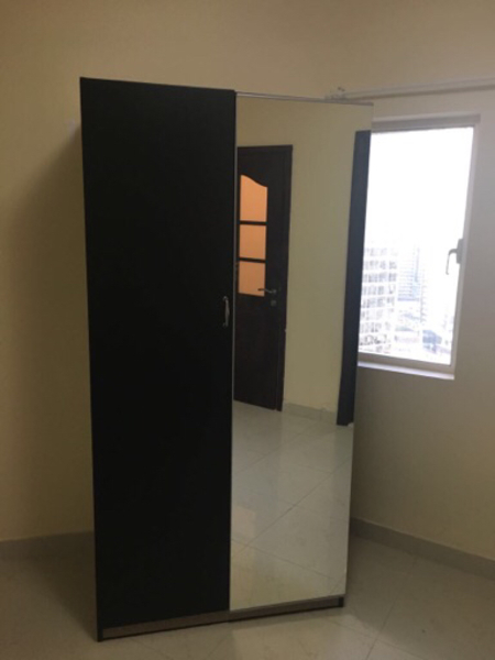 Used Wardrobe, 201cm x 100cm x 60cm in Dubai, UAE