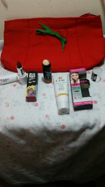 Used Bundle of make ups in Dubai, UAE