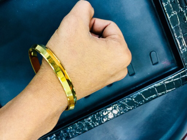 Used Gold plated jewellery Bankle for Men  in Dubai, UAE