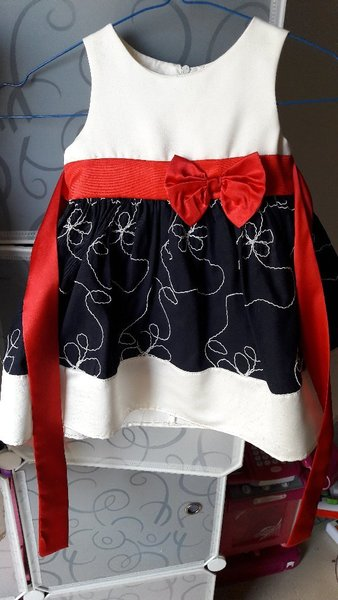Used Pre loved 5 Children's PARTY WEAR FROCKS in Dubai, UAE