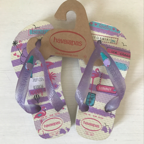 Used Brand New Havaianas Slippers For Girls. Size EU23/24 in Dubai, UAE