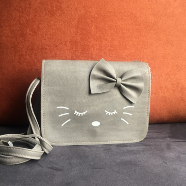 Used Kitty Grey Slingbag in Dubai, UAE
