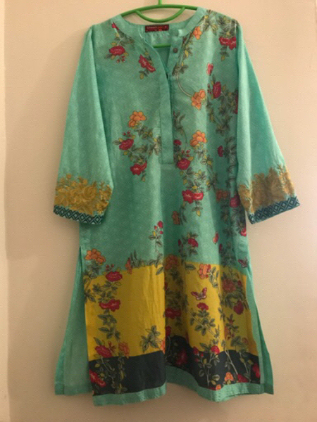 Used Khaadi kurti size 12. Worn hardly. in Dubai, UAE