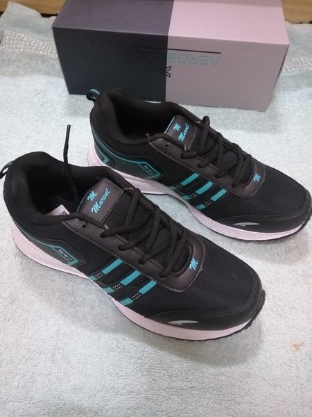 Used Brand new sport shoes sneaker size 44 in Dubai, UAE