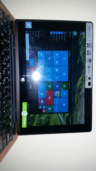"Used Acer One S1002 10.1"" Laptop/Tablet in Dubai, UAE"