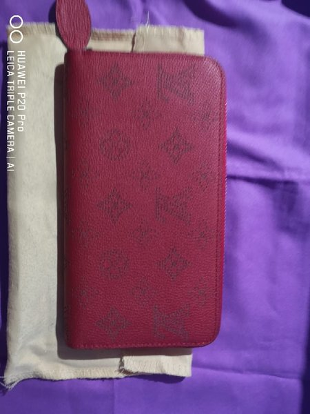 Used Louis vuitton red wallet in Dubai, UAE