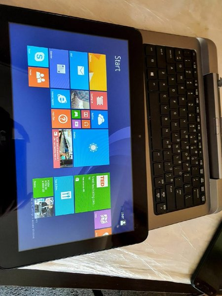 Used HP Tablet with detachable keyboard +GSM, in Dubai, UAE