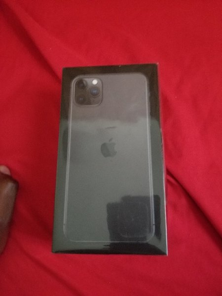 Used Brand New iPhone 11 pro max 256gb in Dubai, UAE