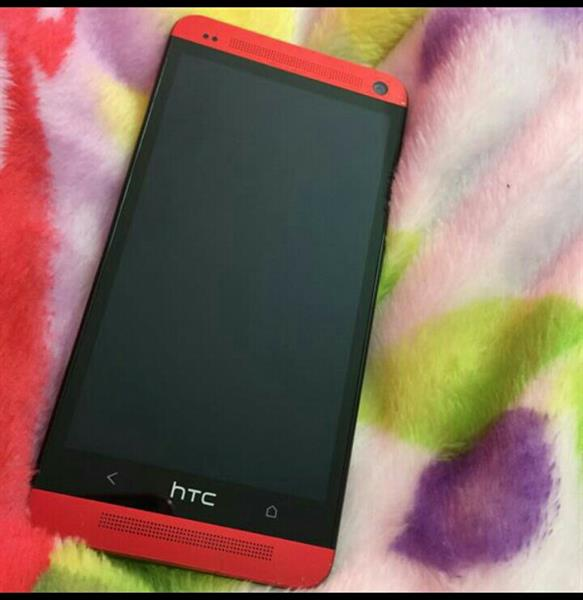 Used HTC M7 32Gb capacity...used but in good condition. in Dubai, UAE