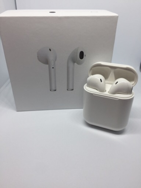 Used Bluetooth Airpods + Wireless Charger in Dubai, UAE