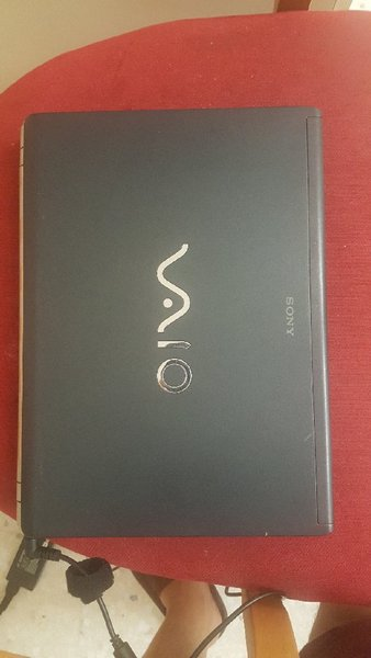 Used sony vaio 250gb 2gb ram core to do in Dubai, UAE