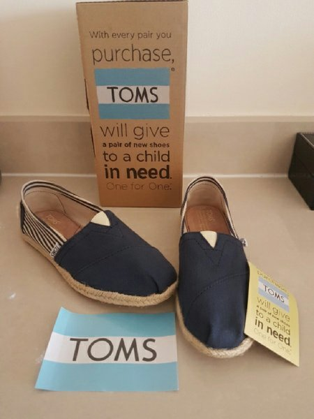 Used New original Toms espadrilles in Dubai, UAE