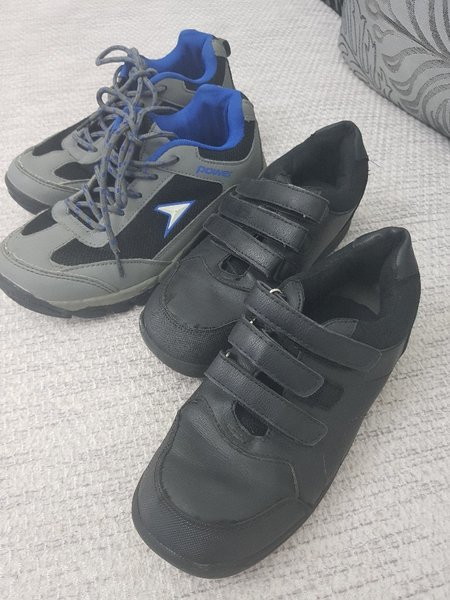 Used Kids shoes 2pairs size 35Black 36blue in Dubai, UAE