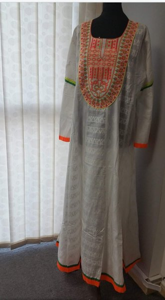 Used Abaya women white and embroidery Ladies in Dubai, UAE