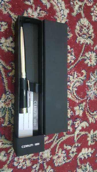 Used CERRUTI l88l pen in Dubai, UAE