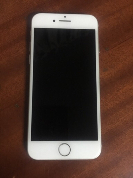 Used iPhone 7 Silver 32GB (iCloud Bypassed) in Dubai, UAE
