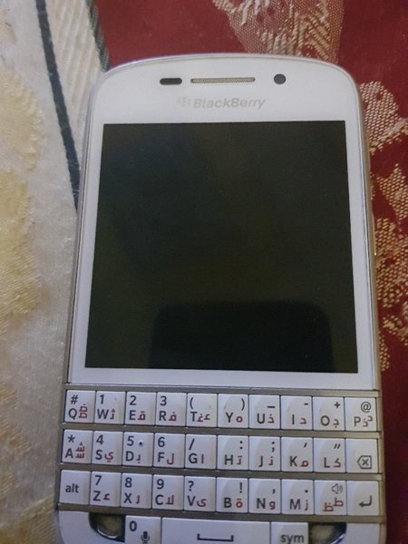 Used blackberyyQ10 in Dubai, UAE